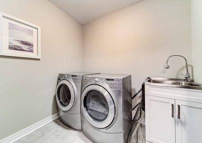 3392 Skipton Lane Oakville - Laundry-Room