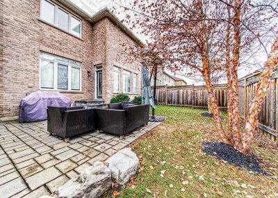 3392 Skipton Lane Oakville - Yard-(2)