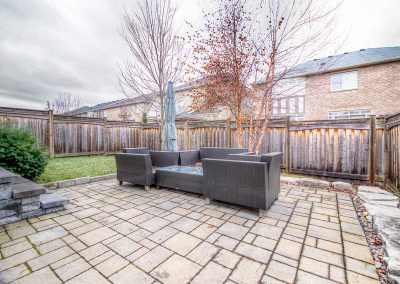 3392 Skipton Lane Oakville - Yard-(4)